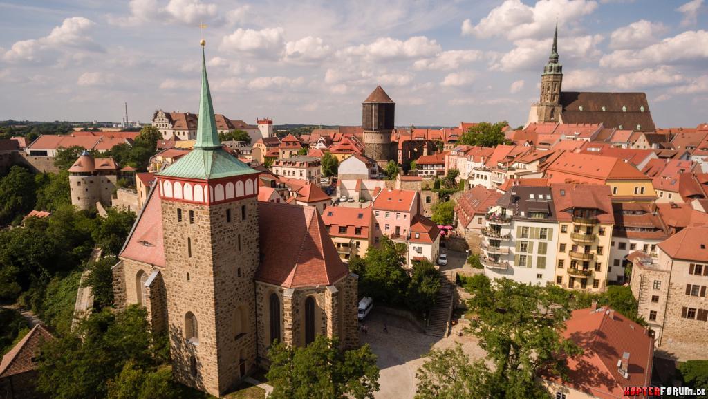 Altstadt mit Dom und Michaeliskirche