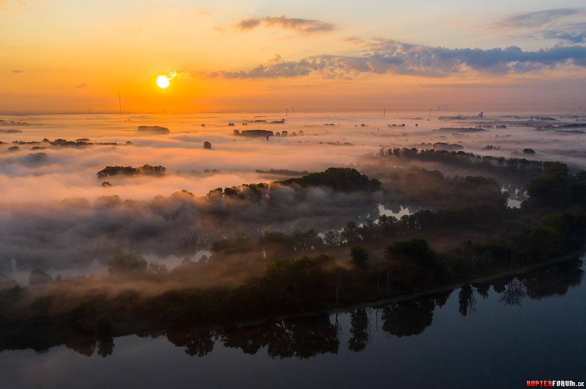 Sonnenaufgang Am Niederrhein.   HGlader